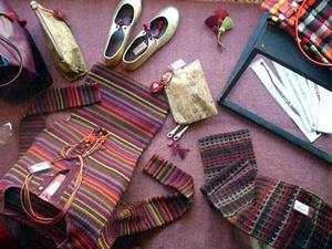 Bracelets LOOM - Design textile by Myriam Balaÿ miaziaor07-11 Mia Zia automne hiver 2007 Passages