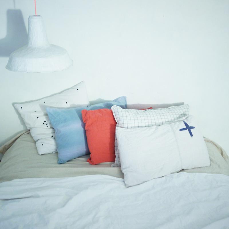 Bracelets LOOM - Design textile by Myriam Balaÿ myriam-balay-coussin éclairage artificiel L'appartement