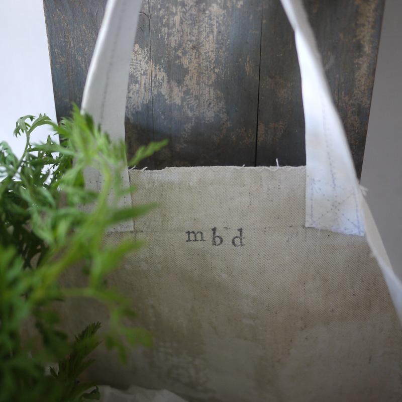 Bracelets LOOM - Design textile by Myriam Balaÿ myriam-balay-mbd-toile terre d'argile verte pour small radish bag L'appartement