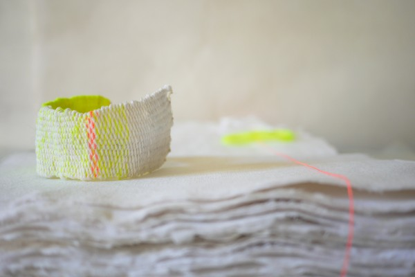 Bracelets LOOM - Design textile by Myriam Balaÿ myriam-balay-fluo-vert-e1423759910811 LOOM Fluo L'appartement
