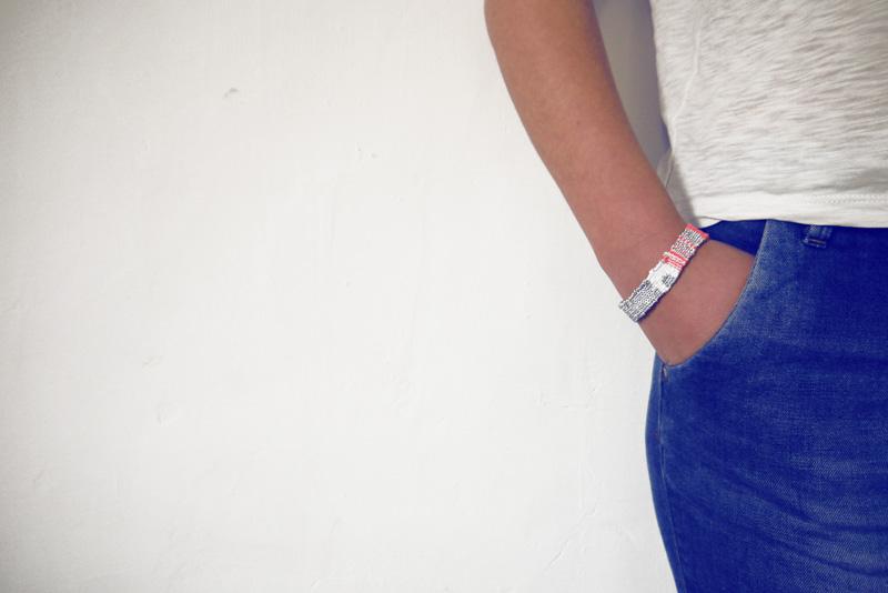 Bracelets LOOM - Design textile by Myriam Balaÿ myriam-balay-bracelet-porter16 bracelet LOOM N°16 L'appartement  weaving textile neon loom bracelet argent