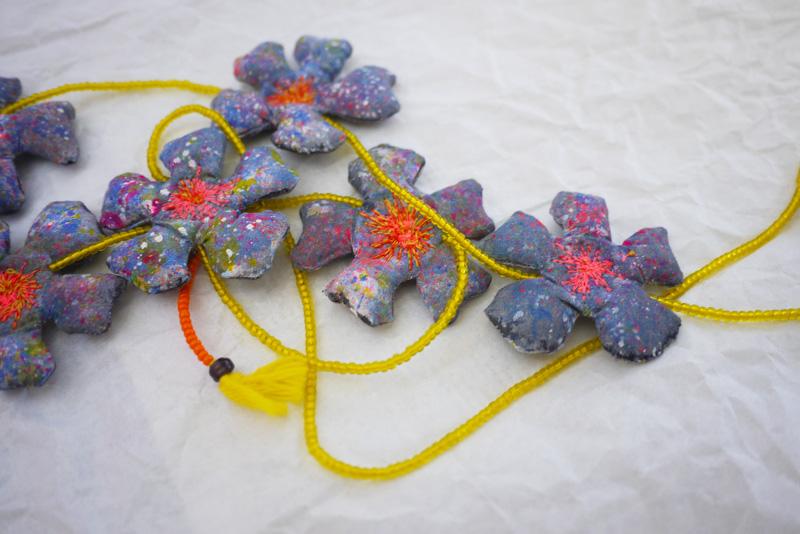 myriam-balay-fleurs-textile