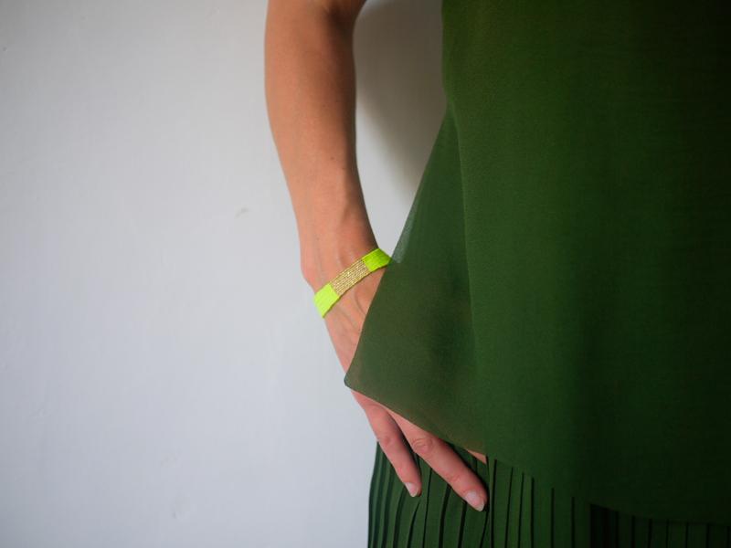 Bracelets LOOM - Design textile by Myriam Balaÿ myriam-balay-bracelet bracelet LOOM N°29 L'appartement  neon mbd lurex loom gold fluo coton bracelet