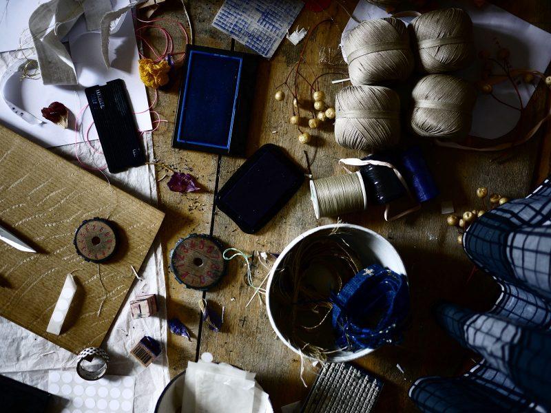 Bracelets LOOM - Design textile by Myriam Balaÿ myriam-balay-tissage-e1495122507442 BLUE LOOM inspiration L'appartement