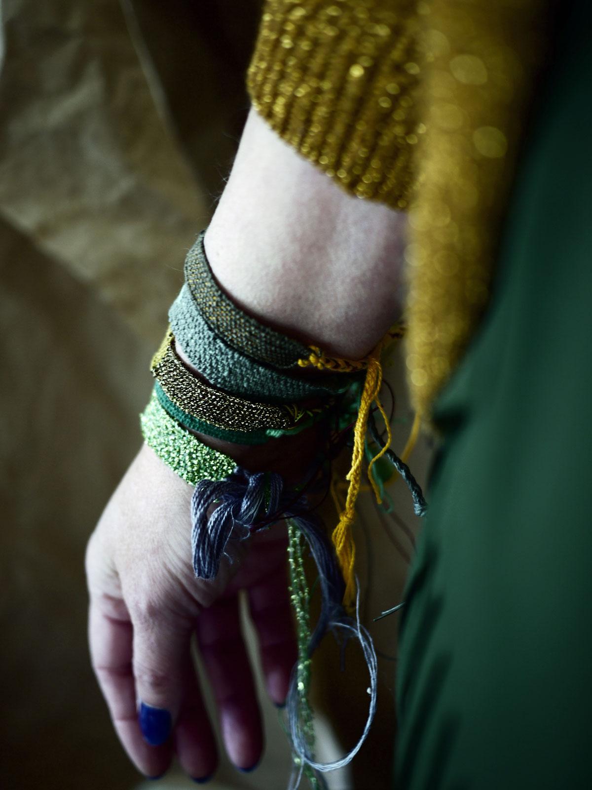 Bracelets LOOM - Design textile by Myriam Balaÿ myriam-balay-bracelet-loom1 GOLD/GREY/GREEN L'appartement