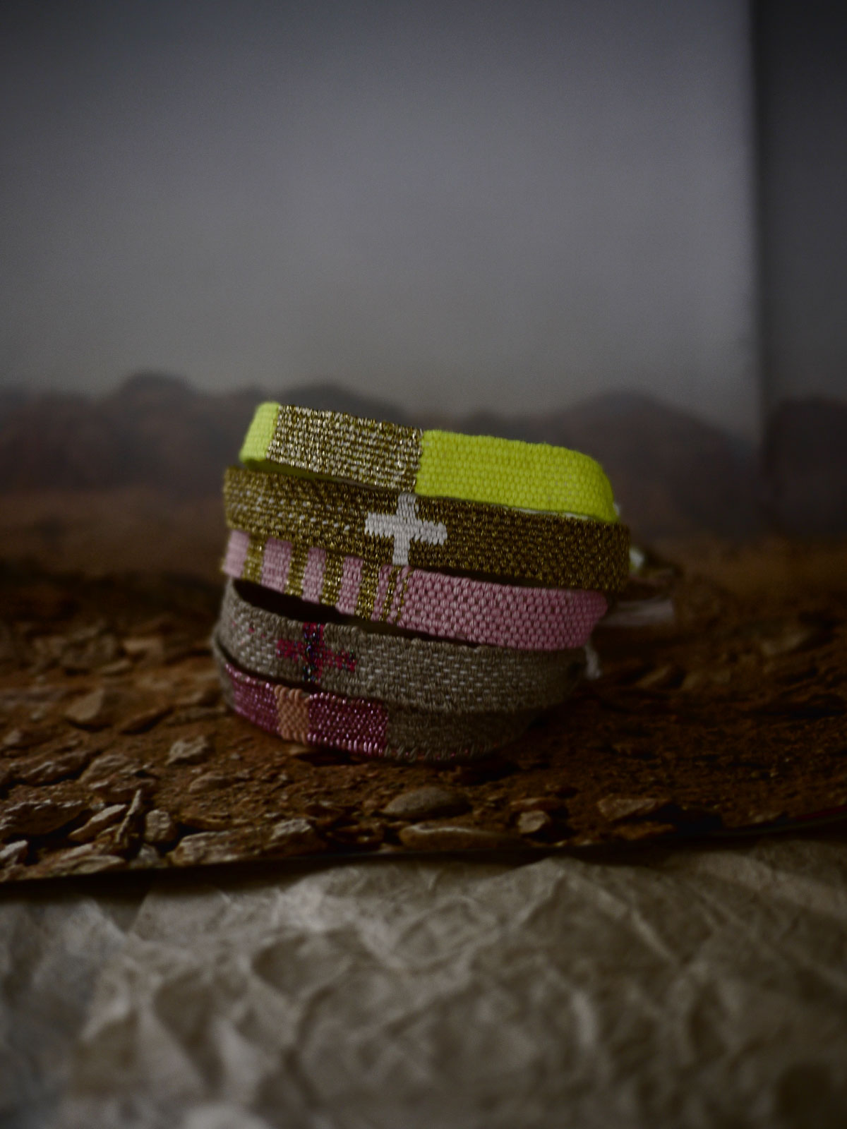 Bracelets LOOM - Design textile by Myriam Balaÿ myriam-balay-tissage AT WORK L'appartement