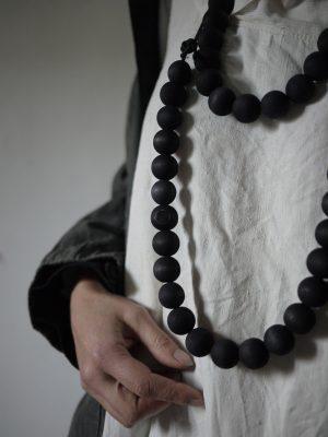 Bracelets LOOM - Design textile by Myriam Balaÿ myriam-balay-black-wood-300x400 eShop