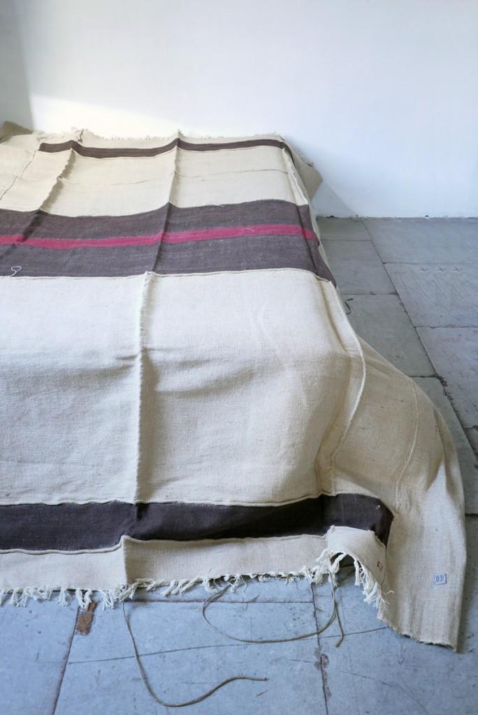 Bracelets LOOM - Design textile by Myriam Balaÿ myriam-balay-textile-jute1-684x1024 Pièce textile N°84 L'appartement  tissage textile jute ikat coton
