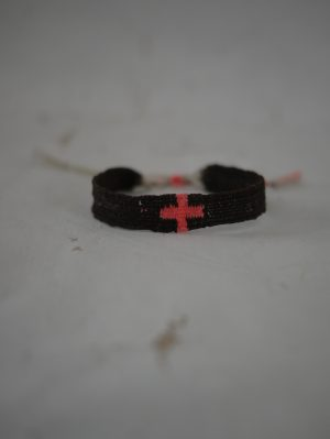 Bracelets LOOM - Design textile by Myriam Balaÿ myriam-balay-red-cross-300x399 eShop